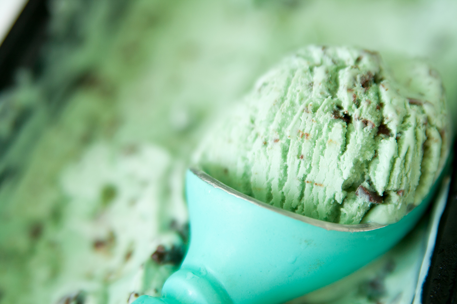 Mint Chocolate Chip Glass | Baker vs. Runner